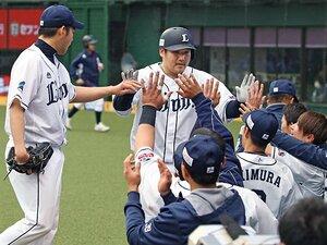 日本一を知る西武・中村剛也の意地。「本塁打狙い、変えるつもりはない」