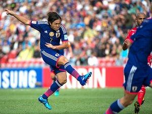 """攻撃の指揮はいまだ遠藤の独壇場。アジア杯初戦で再確認した""""特殊性""""。"""