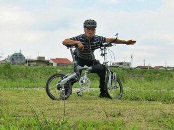 """台風一過の""""多摩サイ""""を下る。河川敷の自転車道は戦争状態!?<Number Web> photograph by Satoshi Hikita"""