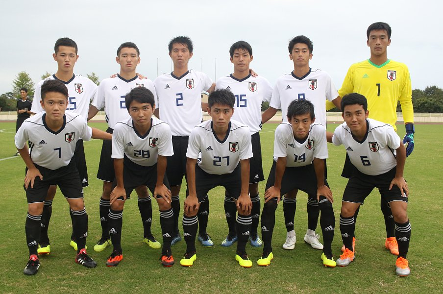 "U-17W杯出場をかけた運命の一戦!""02ジャパン""と森山監督の正念場。<Number Web> photograph by Takahito Ando"