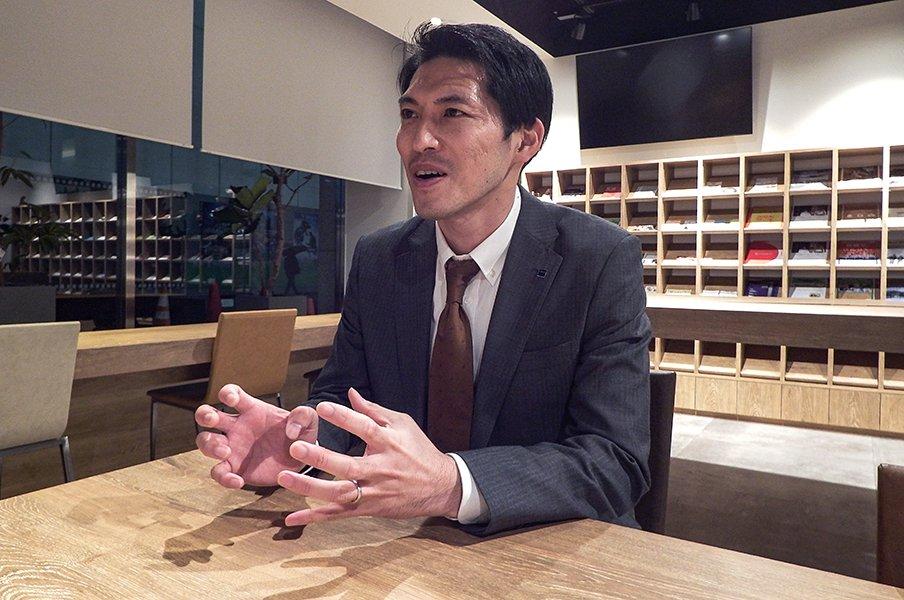 最強東福岡のCBは今、ビール営業中。千代反田充が思う「選手権」の魔力。<Number Web> photograph by Kohei Kikuchi