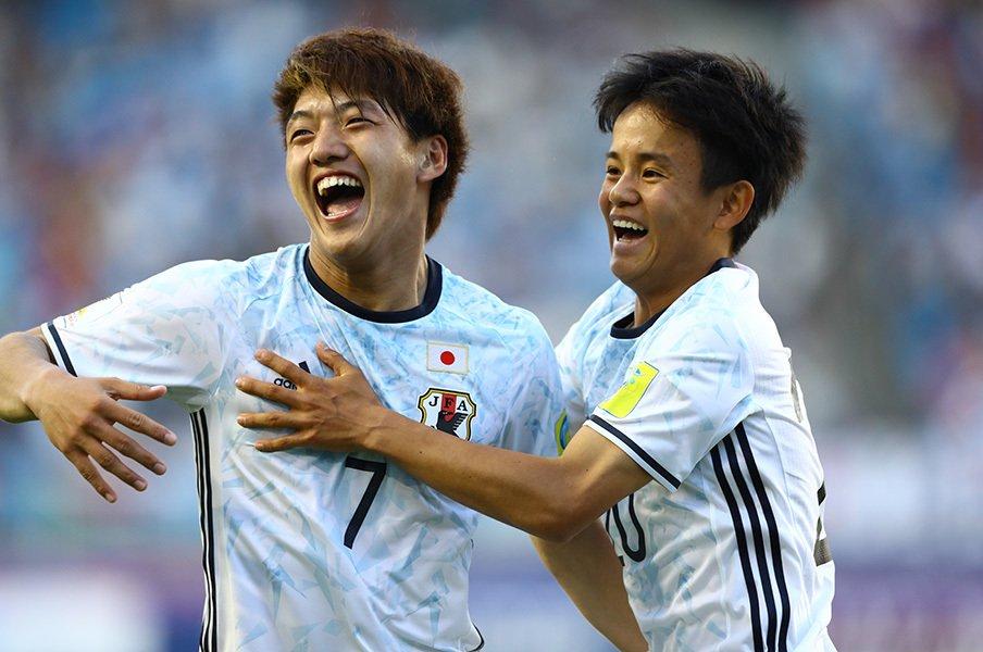 育成年代ゆえの粗さと勝負の丁寧さ。日本がW杯初戦で見せた2つの顔。<Number Web> photograph by Kenzaburo Matsuoka
