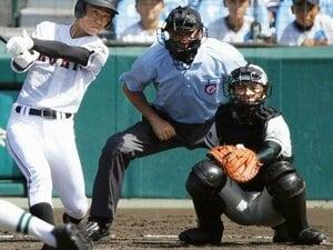 二松学舎の1年生山田将義は図太い。「1人だけ違う方向を向くのが捕手」
