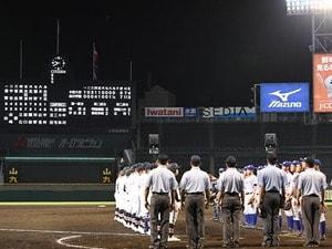 """甲子園""""史上最遅""""ゲームセット(21時40分)を現地取材して思った「真夏の高校野球、もっとナイター開催すべきでは?」"""