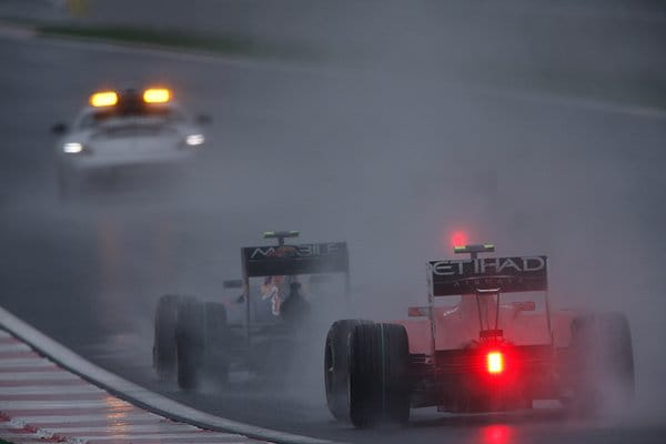 雨の中のグランプリ決勝