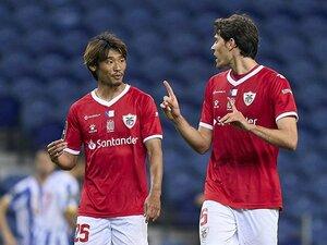 守田英正は「中盤のマエストロ」と絶賛、離島の小クラブ躍進の要に… ポルトガル勢日本人の20-21シーズン総括
