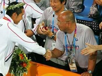 上野広治 「競泳日本代表を革新した男」 ~お家芸復活の舞台裏~<Number Web> photograph by Takao Fujita