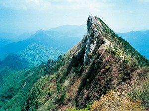 <達人が教える山旅> KIKIと行く石鎚山 「信仰を集める山で歴史を感じたい」