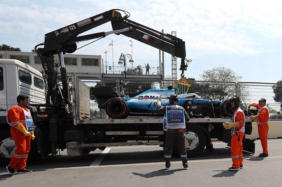 財政難もあって苦戦続きのウイリアムズに手痛い事故。レース主催者が損害を補償すると伝えられた。 / photograph by AFLO
