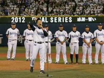 ベイスターズは変わったのか――。涙にくれた2012年を総括する。<Number Web> photograph by Kyodo News