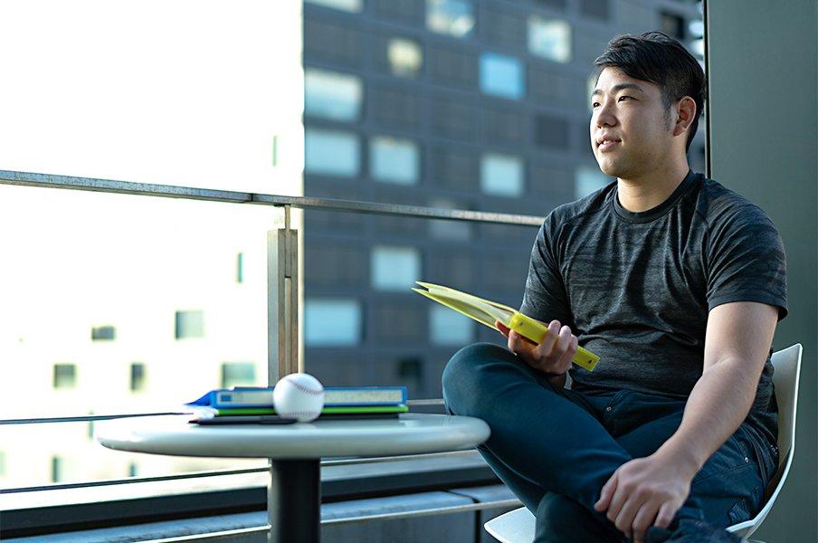 菊池雄星を変えたノートと思考法。「自分を知ることで全てが良い方へ」<Number Web> photograph by Takuya Sugiyama