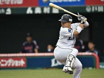 バントが少なく、盗塁と死球が多い。パの強さを生み出す攻撃的姿勢とは。<Number Web> photograph by Hideki Sugiyama