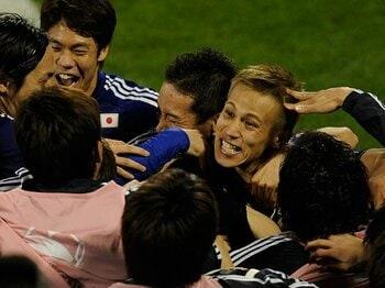 """日韓戦の死闘の果てに見えたもの。日本代表が露呈した""""別の顔""""とは?<Number Web> photograph by Takuya Sugiyama"""