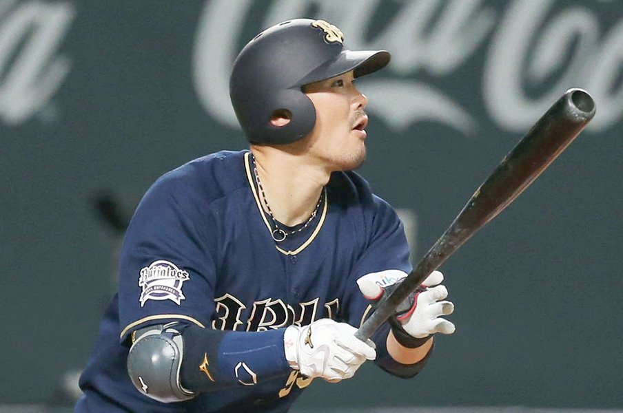 今季のT-岡田は、責任感が全く違う。「諦めることができない環境」とは?<Number Web> photograph by Kyodo News