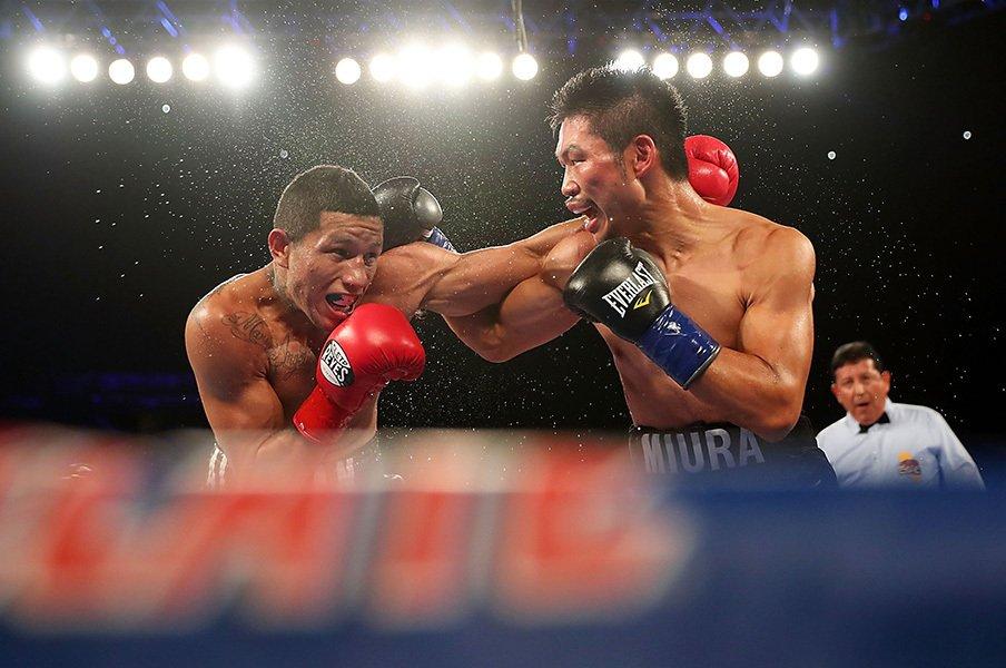 ボクシング三浦隆司、33歳の岐路。不器用な元王者は完敗に何を思う。<Number Web> photograph by Getty Images