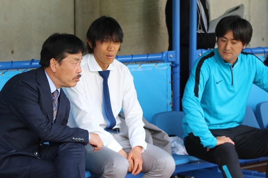 なぜ代表にFKの名手が不在なのか?中村俊輔と母校で考えた環境の話。<Number Web> photograph by Takahito Ando