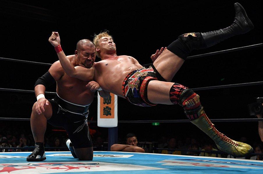 オカダ・カズチカ、G1で連敗中――。乱れ始めた精密ルーティーンの謎。<Number Web> photograph by Essei Hara
