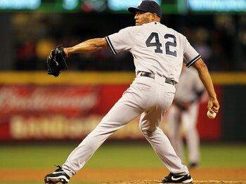 現役メジャー選手、唯一の「42番」。ヤンキースのリベラが決めた最後。<Number Web> photograph by Getty Images