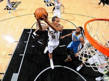 強靭な精神力を誇る、スパーズの次世代スター。~レナード、NBA2年目も臆さずに~<Number Web> photograph by NBAE/Getty Images