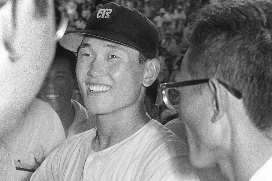板東英二って実は凄い球児だった。16回完投の2日後、延長25回完投。<Number Web> photograph by Kyodo News