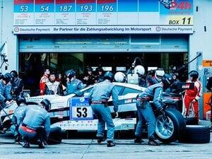 レースでコンマ1秒を縮める壮絶な作業。ピットマンの闘いを知っているか?