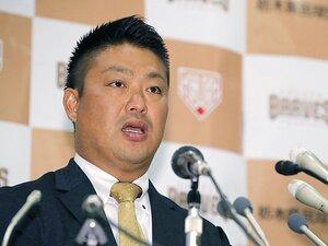 「引退」の二文字はまだ早い……。村田修一、今季NPB断念と現役の意地。