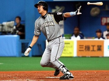 「若手には負けられない」 金子誠の渋い輝き。~猛追日本ハムの原動力~<Number Web> photograph by NIKKAN SPORTS