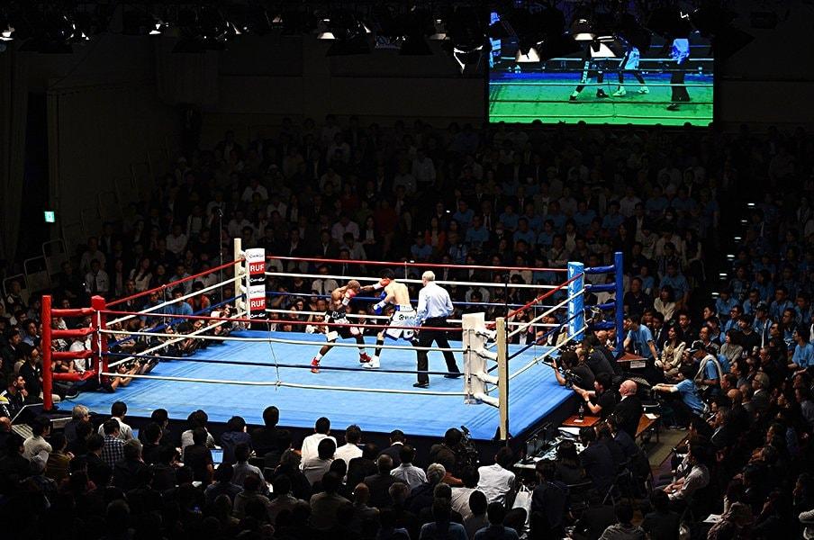 世界戦に敗れ去ったボクサーの人生。黒田雅之の前に広がる、真っ白な世界。<Number Web> photograph by AFP/AFLO