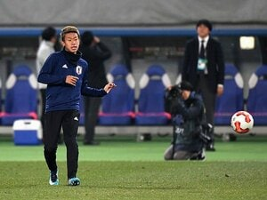 東京五輪世代初のA代表も出場ゼロ。初瀬亮は遠藤保仁の道を歩めるか。