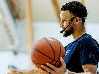 <NBAトッププレーヤーが高校生に告ぐ> ステフィン・カリー「未来は君たちの中にある」