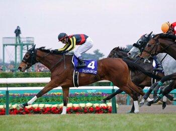 歴史的名牝、ラストランの有馬を制す!流れが全てジェンティルに向いた理由。<Number Web> photograph by Yuji Takahashi