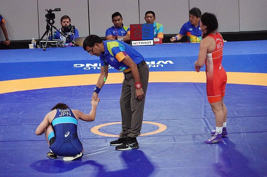 「栄さんの時は逃げなかったのに」女子レスリング、アジア大会の裏側。<Number Web> photograph by Koji Fuse