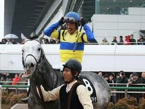 """""""カッチー""""田中勝春も今や48歳。騎乗減少もまだまだ衰えていない。"""