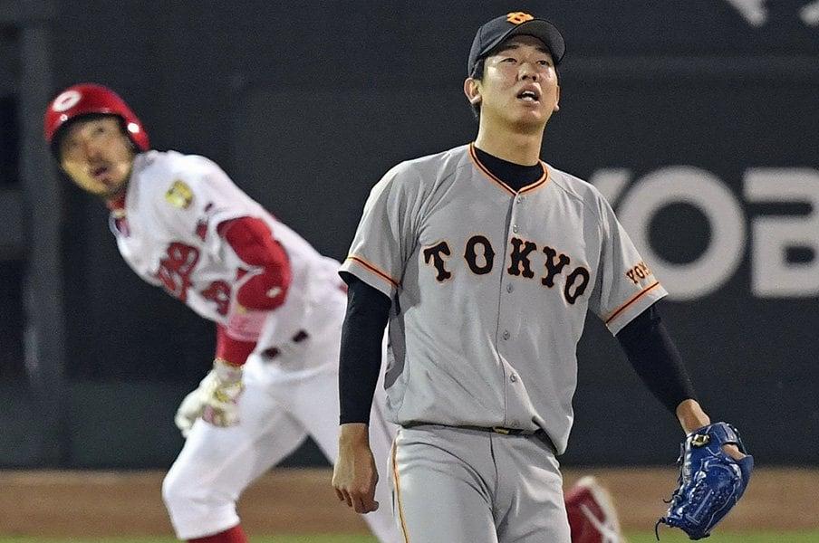 巨人の下剋上を許さぬカープの凄み。四球数とベンチワークが両者の差。<Number Web> photograph by Kyodo News