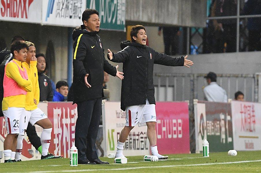 内田篤人が鹿島で新たに抱える悩み。「やってないと発言権ってないよな」<Number Web> photograph by Getty Images