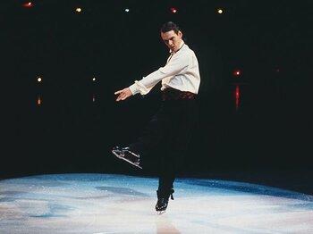 羽生結弦へ受け継がれる技術とアート。伝説のスケーターが映像で甦る。<Number Web> photograph by New Black Films Skating Limited 2018/Dogwoof 2018