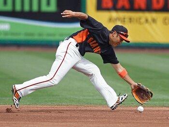 田中賢介、中島裕之でもやはり無理!?MLBで日本人内野手が苦しむ理由。<Number Web> photograph by REUTERS/AFLO