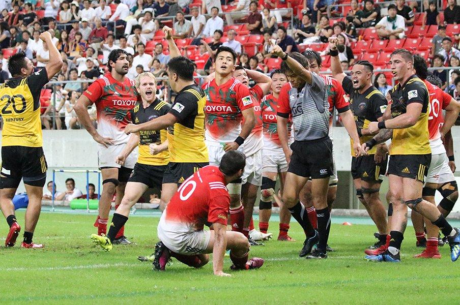 今季のトップリーグは一味違う!ラグビーの魅力が詰まった開幕戦。<Number Web> photograph by Nobuhiko Otomo