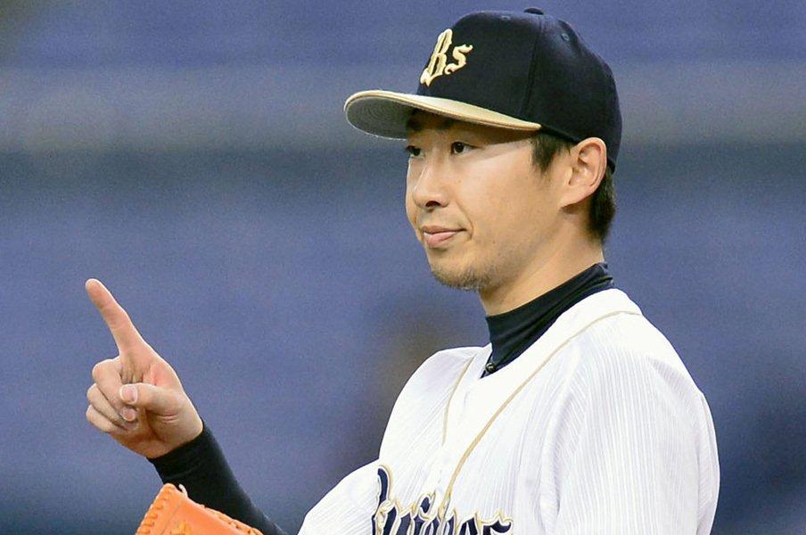 """""""ブルペン嫌い""""金子千尋が今年は?例年以上の球数が示す本当の状態。<Number Web> photograph by Kyodo News"""