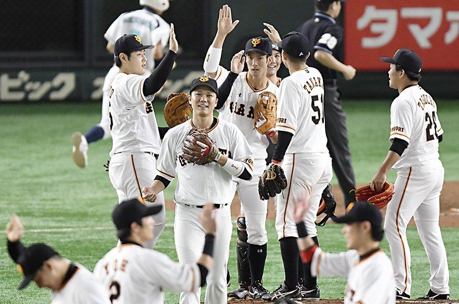 巨人に「昭和の戦略」で敗れた阪神。CS第2戦の要点は1、2番の編成だ。<Number Web> photograph by Kyodo News