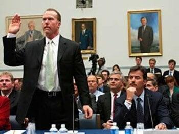 本塁打王マーク・マグワイア、薬剤使用の遅すぎた告白。<Number Web> photograph by Congressional Quarterly/Getty Images