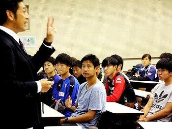 平山相太33歳、大学生になる。満身創痍での引退と指導者への夢。<Number Web> photograph by Satoshi Shigeno