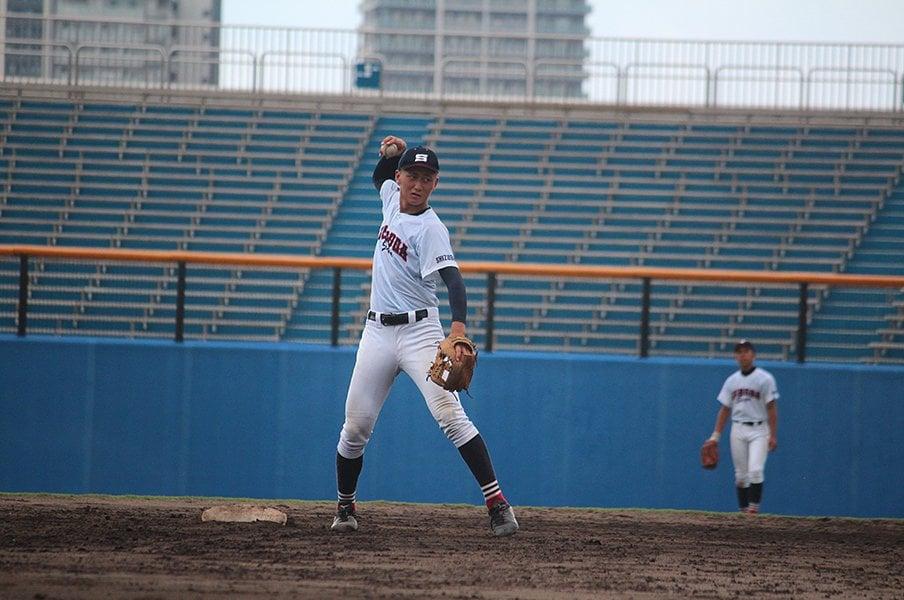 静岡で見つけた才能あふれる高校生。紅林弘太郎遊撃手と栗田和斗投手。<Number Web> photograph by Shizuoka Koko Yakyu