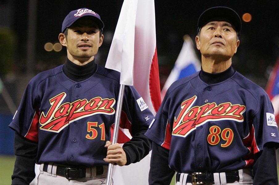 第1回WBCでの王貞治監督とイチロー。国代表の威信をかけた国際大会で、日本野球の強さを証明した。