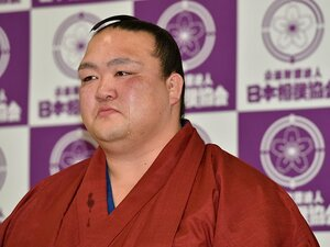 「相撲取りにSNSなんていらない」稀勢の里が明かす、理想の力士像。