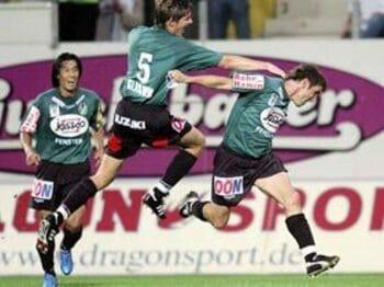 アジアから来たオジサン選手。<Number Web> photograph by AFLO