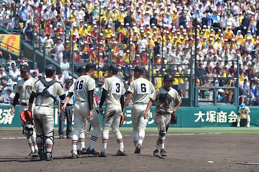 甲子園以外の球場が使われた甲子園。堀内恒夫は3回戦まで全て西宮球場。<Number Web> photograph by Hideki Sugiyama