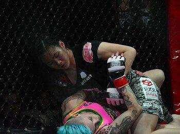 """アメリカで女子MMAが本格始動。日本人は""""世界""""とどこまで闘えるか。<Number Web> photograph by Norihiro Hashimoto"""