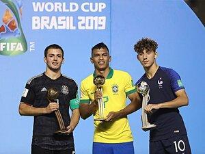ブラジル優勝U-17W杯で記憶すべき、 巨大な才能+不参加だった超逸材。