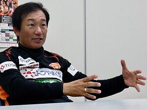 J2山口・霜田監督の指導法が面白い。「極端」と「正直」で選手を刺激。